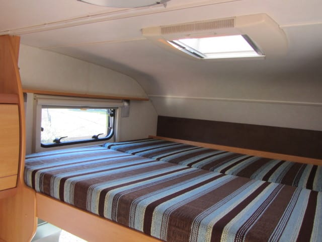 LMC 661 G bed