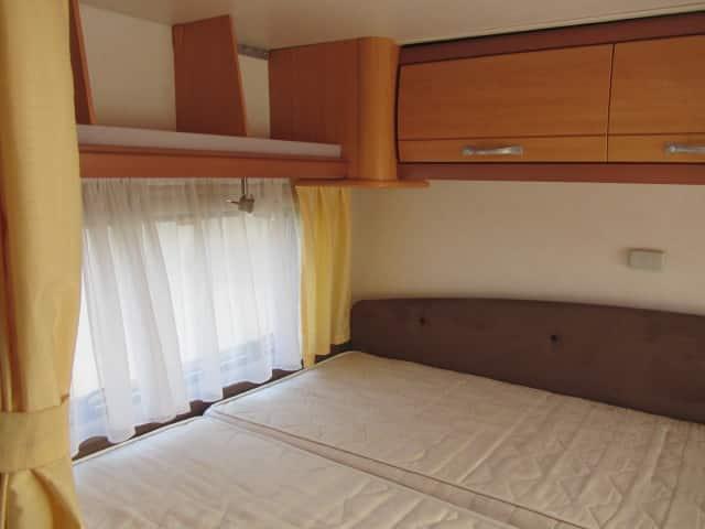 LMC 661 G groot bed met opbergkastjes