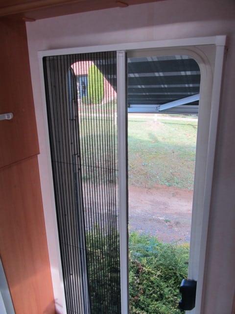 LMC 661 G ingangsdeur met vliegenraam