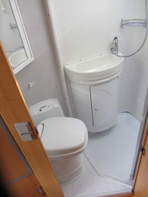 LMC 698 G wc met douche