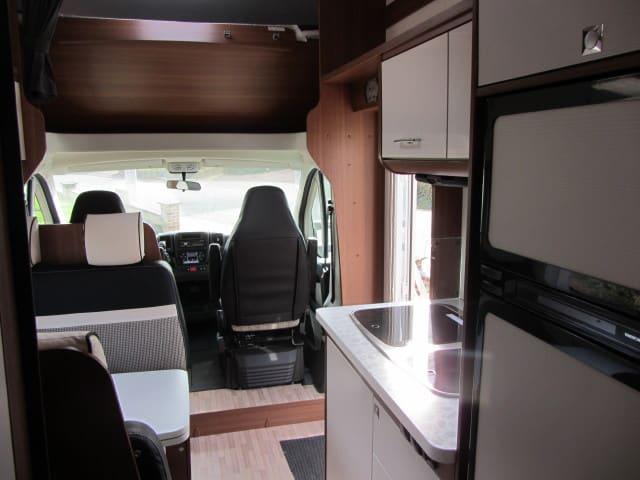 LMC 694 G Fiat interieur