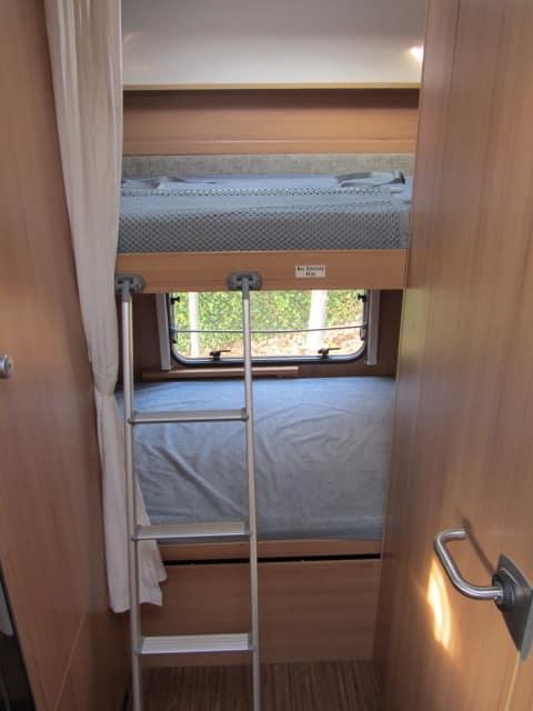 LMC 663 G stapelbedden met ladder