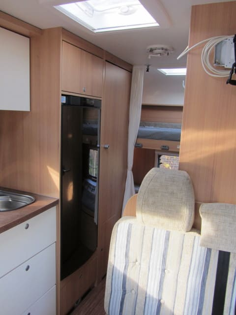 LMC 663 G interieur met frigo